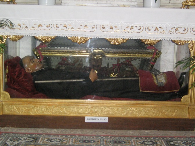 Reliquie_di_San_Bernardino_Realino_Lecce_1205.jpg